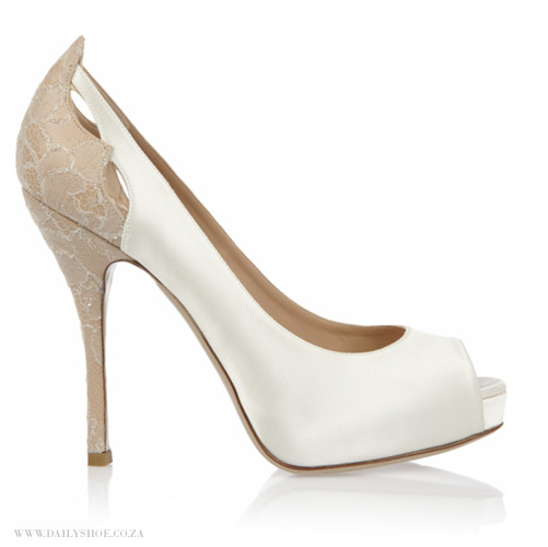 Click here to view shoe   image link   - VALENTINO